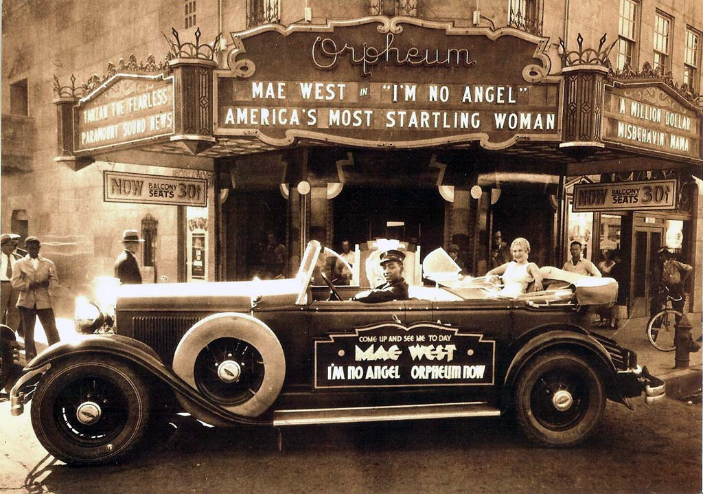 archive_auto_Mae-West