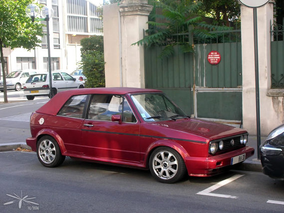 VW_Golf_bordeaux_01