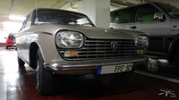 Peugeot-204-coupe_Parking-PdAuteuil_01
