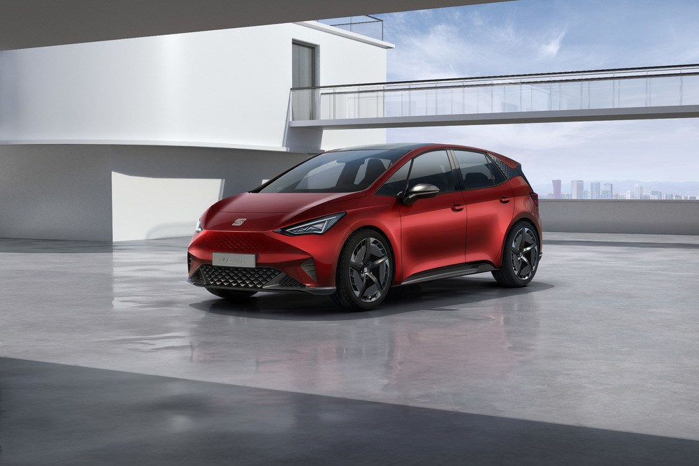 SEAT-el-Born-plugged-into-electric-mobility_01_HQ
