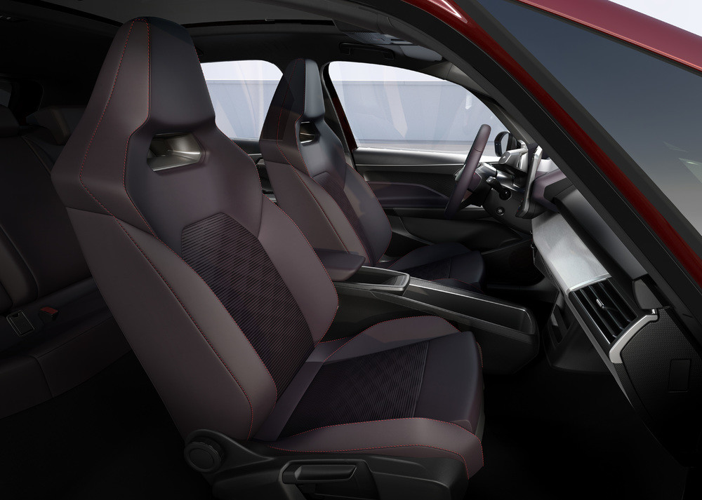 SEAT-el-Born-plugged-into-electric-mobility_10_HQ