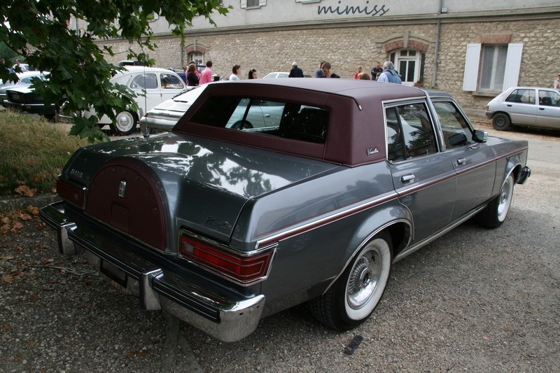 Lincoln Versailles 2