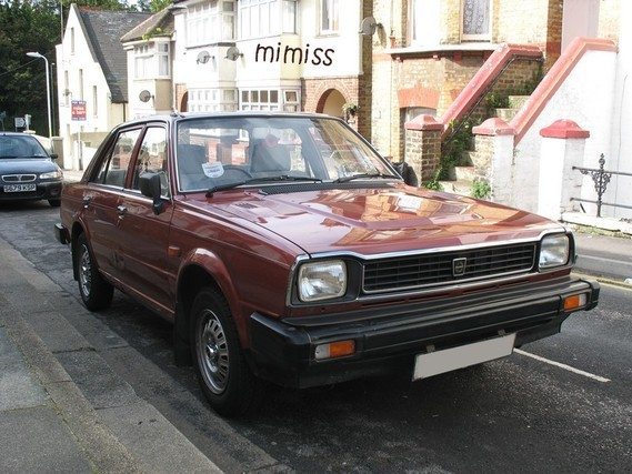 Triumph Acclaim HL 2