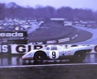 PORSCHE - 917-004 - 1970-4-12 - 1000 km Brands Hatch - n9 Siffert Redman - 1700 (2) capot AV court