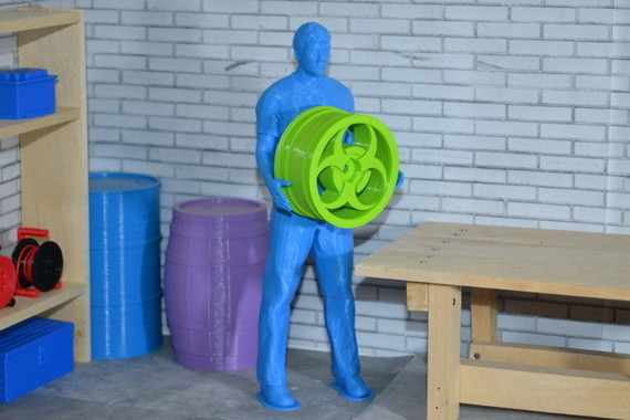 container_scale-1-10-worker-pose-3d-printing-191816