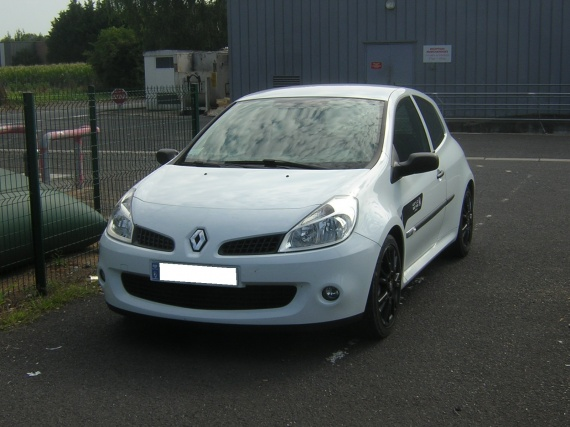 RENAULT . 2008 Clio RS World Series (1)