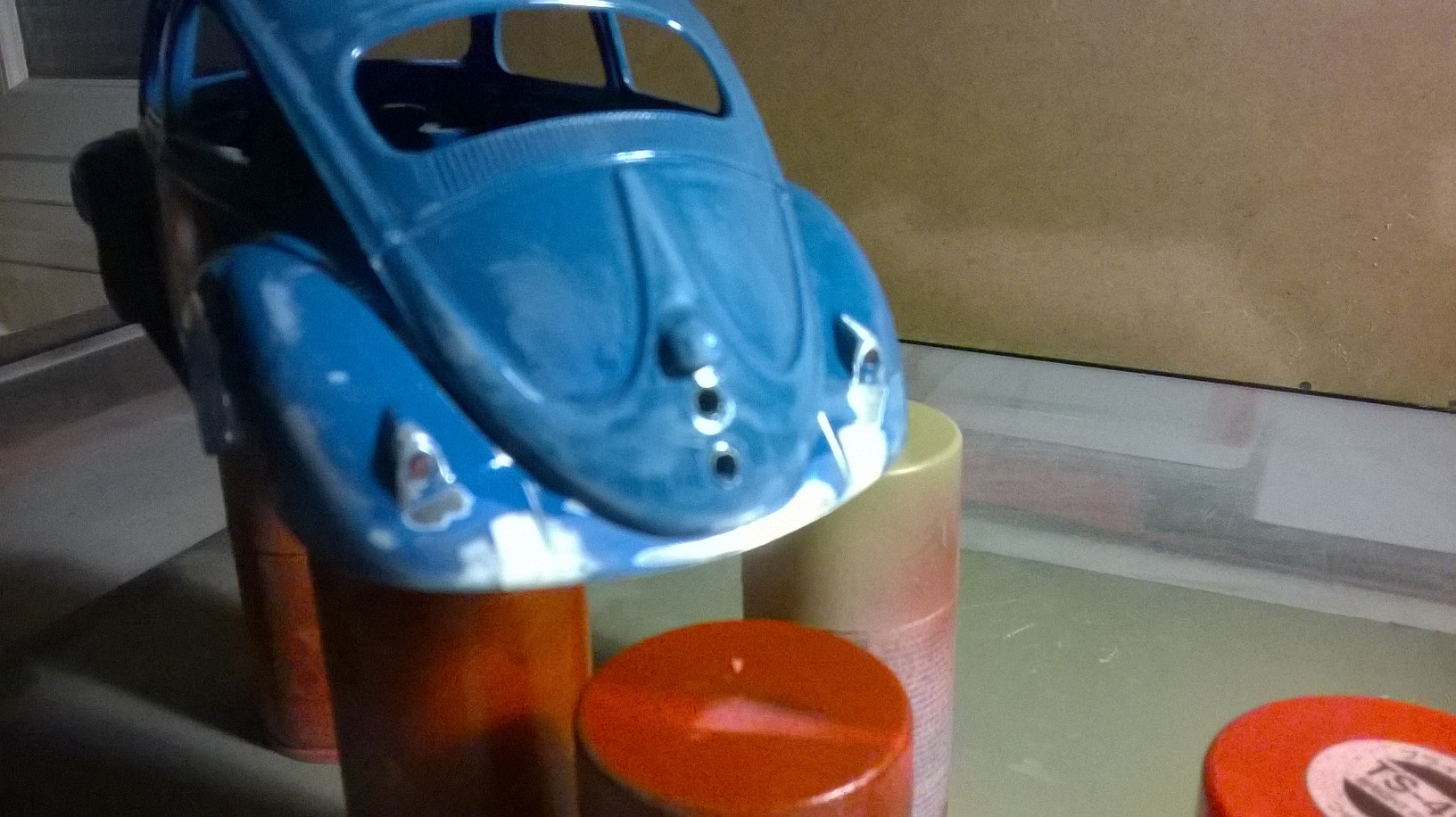 VW Beetle custom 1/18 solido