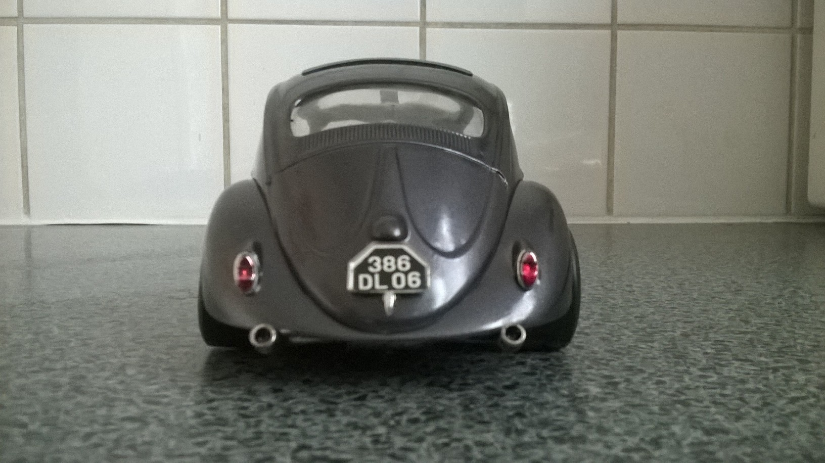 VW Beetle custom 1/18