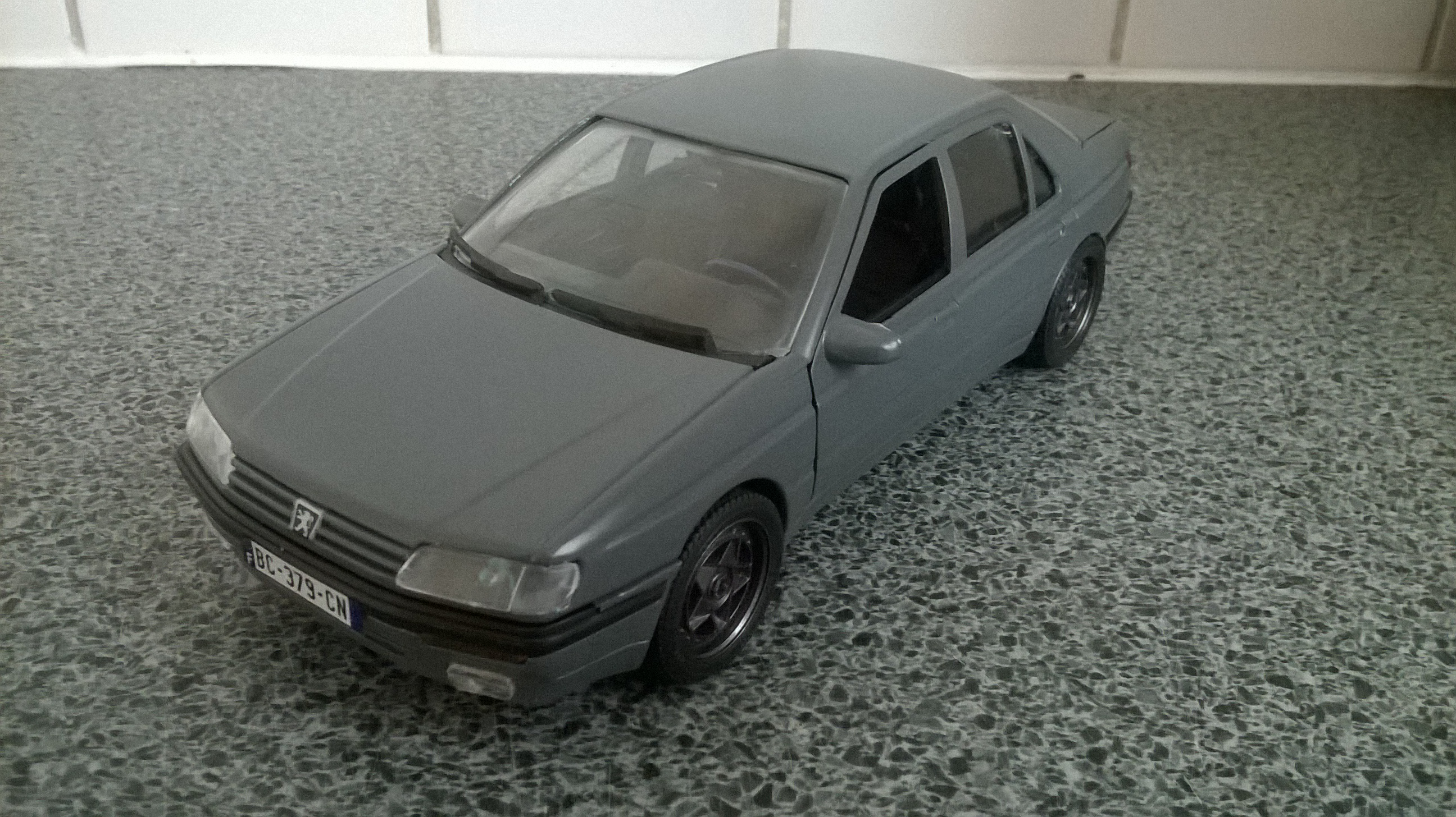 Peugeot 605 tuning 1/18 solido