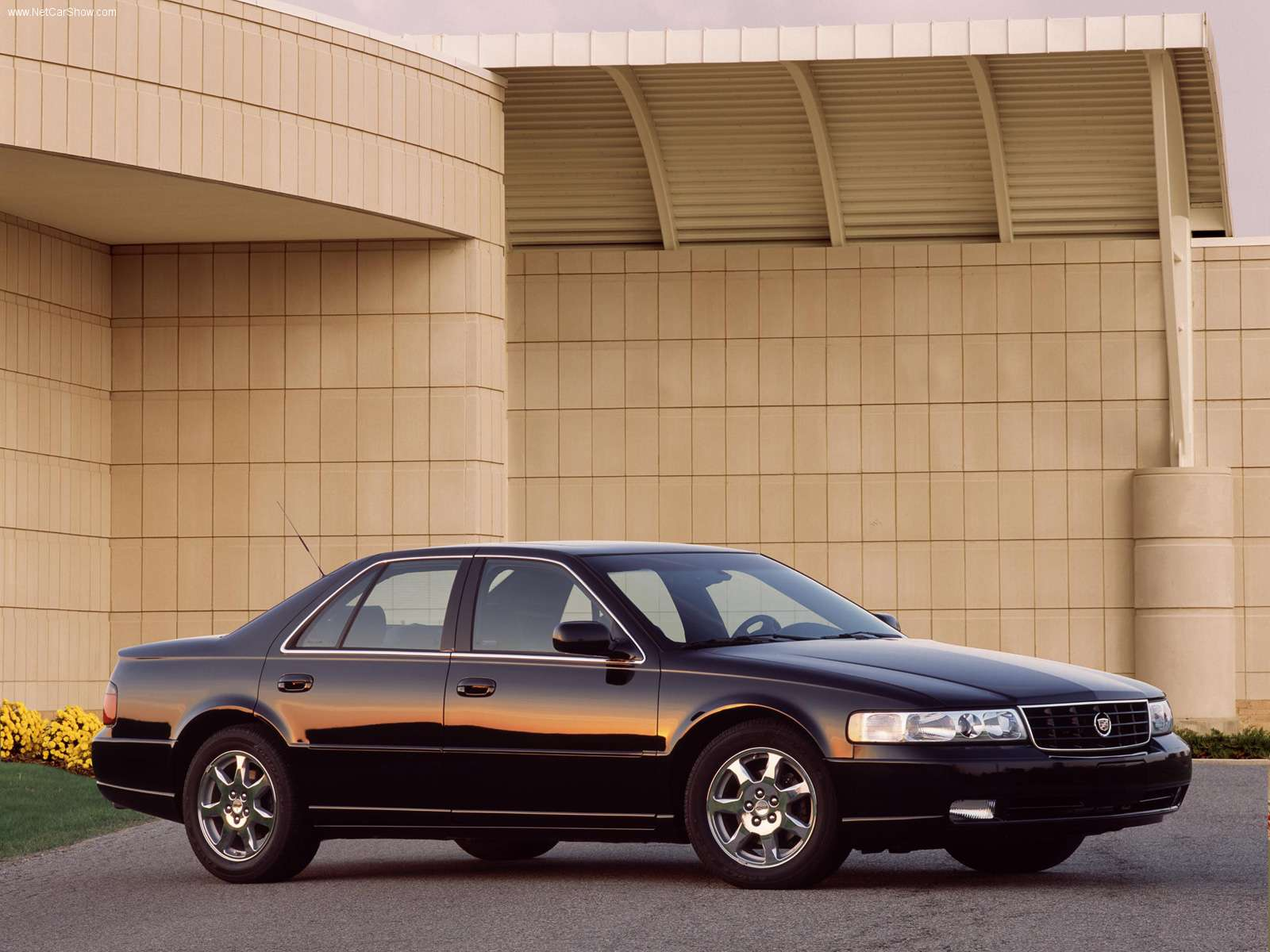 Cadillac-Seville_STS_2002