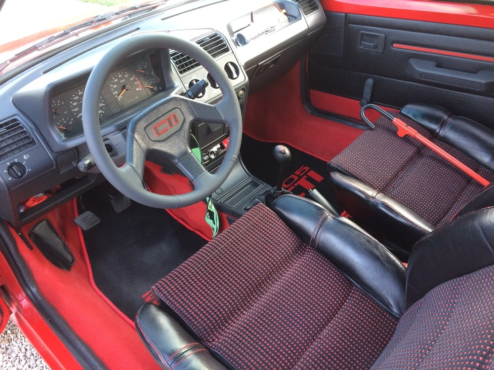 volant 205 gti couture rouge  (2)