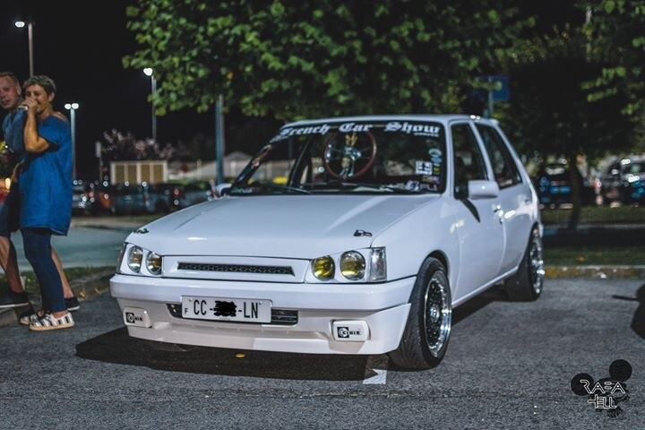 peugeot 205 tuning static car french car low style clean (1)