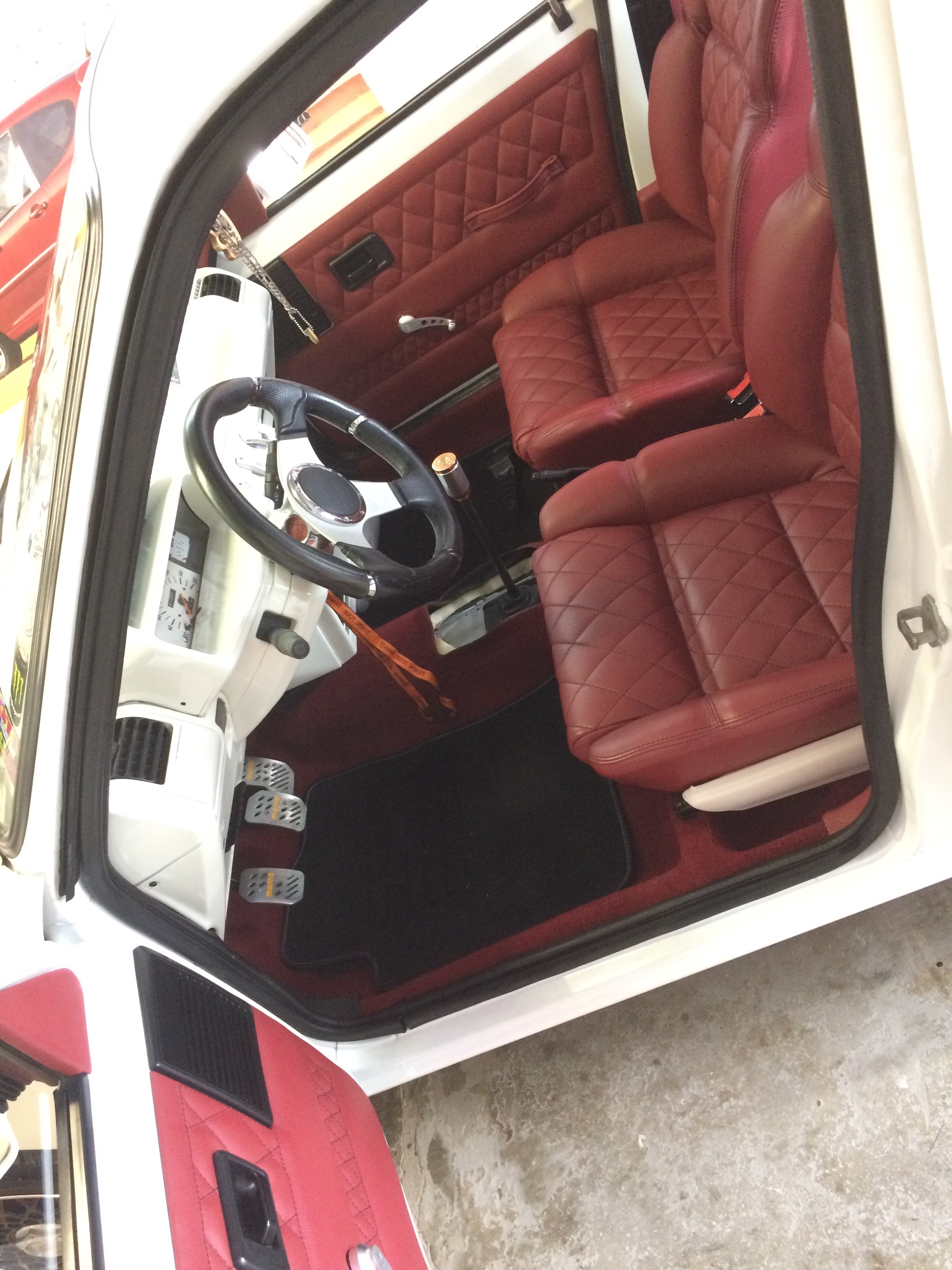 peugeot 205 tuning static car french car low style clean (12)