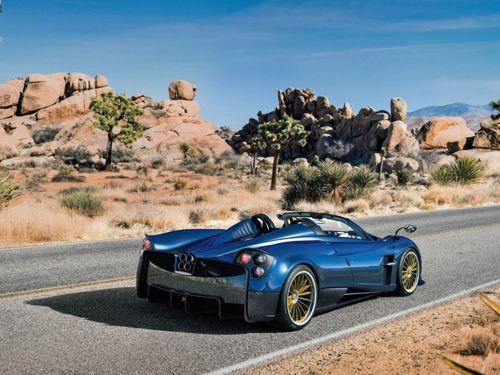 images_list-r4x3w1000-58a5bc5f09d9d-Pagani-Huayra-Roadster-2