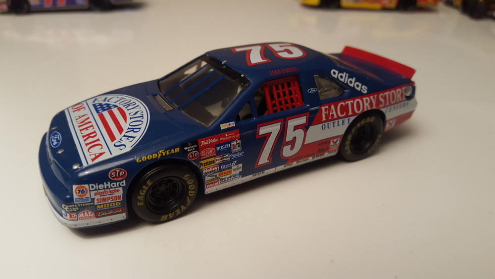 Ford Thunderbird N°75 - Factory Stores of America - T-Bodine