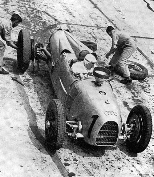 1934-german-GP_hans_stuck_auto_union_a_1st