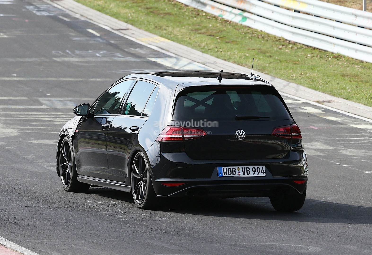 s0 surprise la vw golf r sur le ring 290972 golf vii fireman161 photos club club. Black Bedroom Furniture Sets. Home Design Ideas