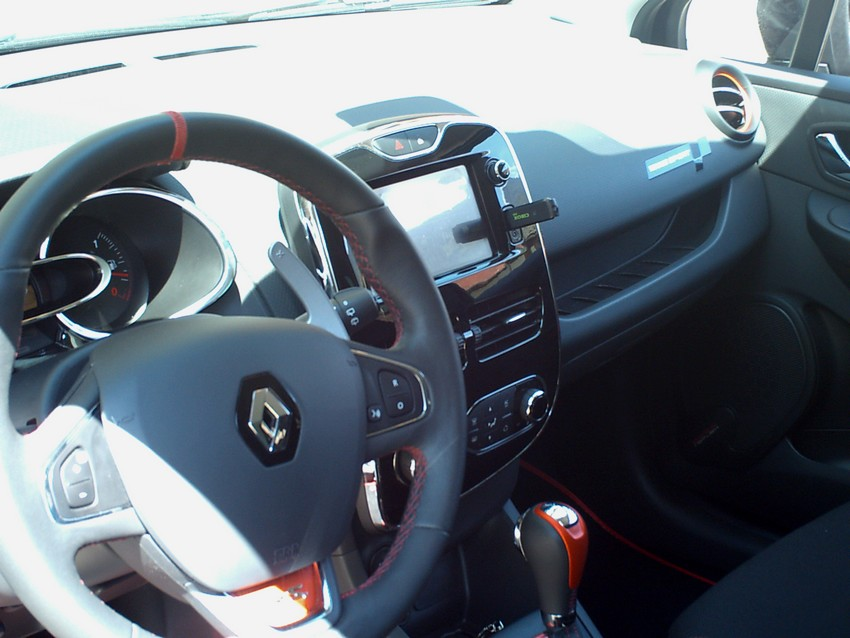 Clio 4 rs interieur 12 clio 4 rs julien73c4rs for Interieur clio 4