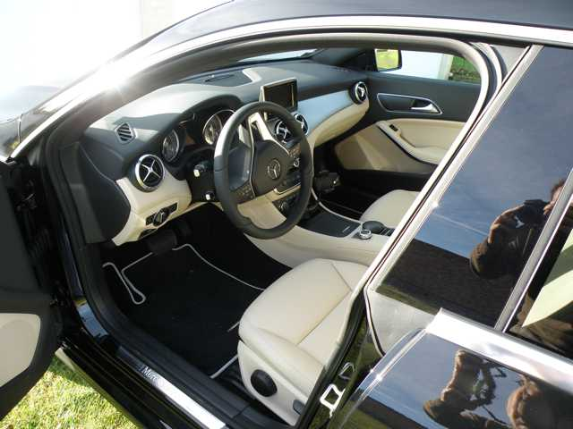 Mercedes cla 2013 topic officiel page 163 for Artico interieur