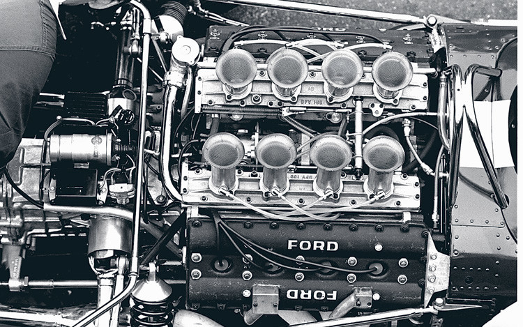c12_0612_03z+ford_racing+engine
