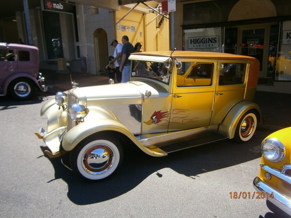 2014-1-08-Ford B str-rod 1932