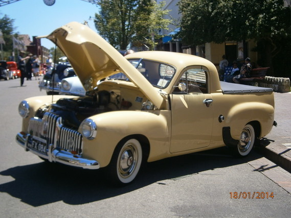 2014-1-19a--Holden 48-215(3,5L) p-u1951