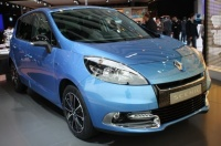 renault-scenic-2012-front