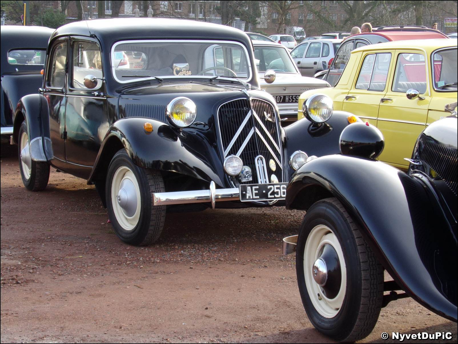 citroen traction avant page 15 oldies anciennes forum collections. Black Bedroom Furniture Sets. Home Design Ideas