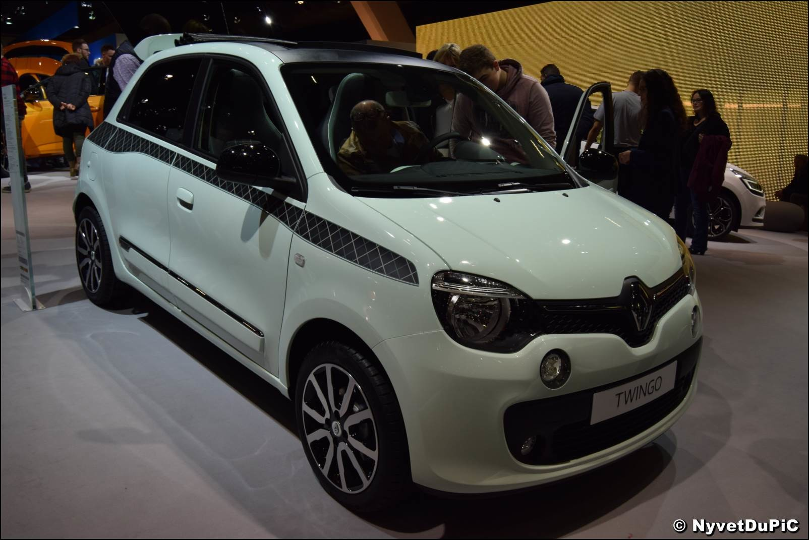renault twingo iii sujet officiel page 272 twingo renault forum marques. Black Bedroom Furniture Sets. Home Design Ideas