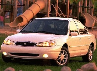 1998-Ford-Contour-FrontSide_FOCON981_505x372