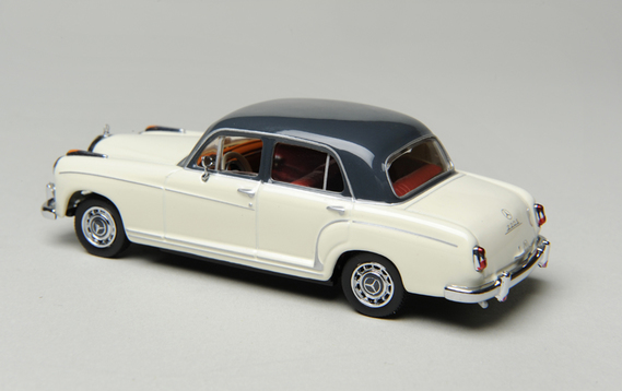 Mercedes-Benz 220S Berline 1956 - Minichamps