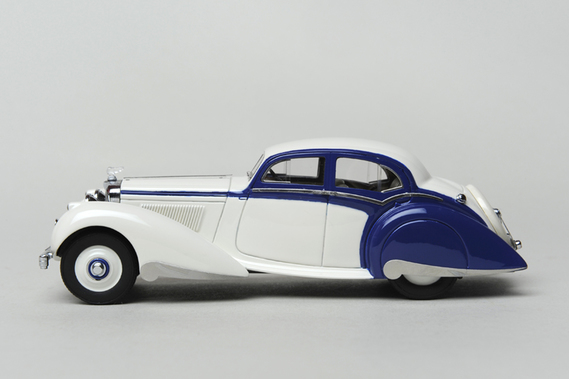Bentley 4,25L Saloon Pillarless Carlton 1937 - Matrix