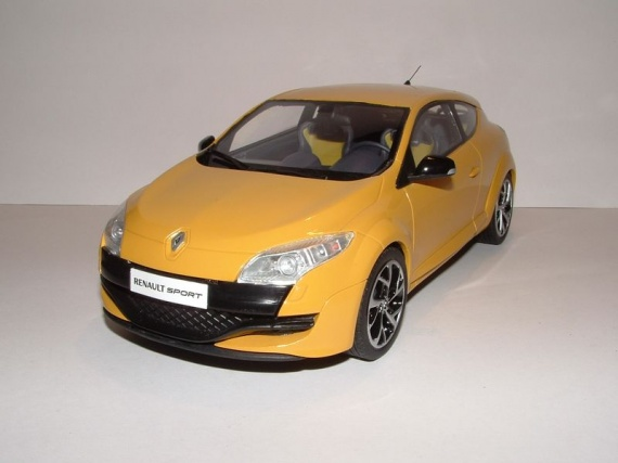 renault megane iii rs jaune mes 1 18 midlum photos club. Black Bedroom Furniture Sets. Home Design Ideas