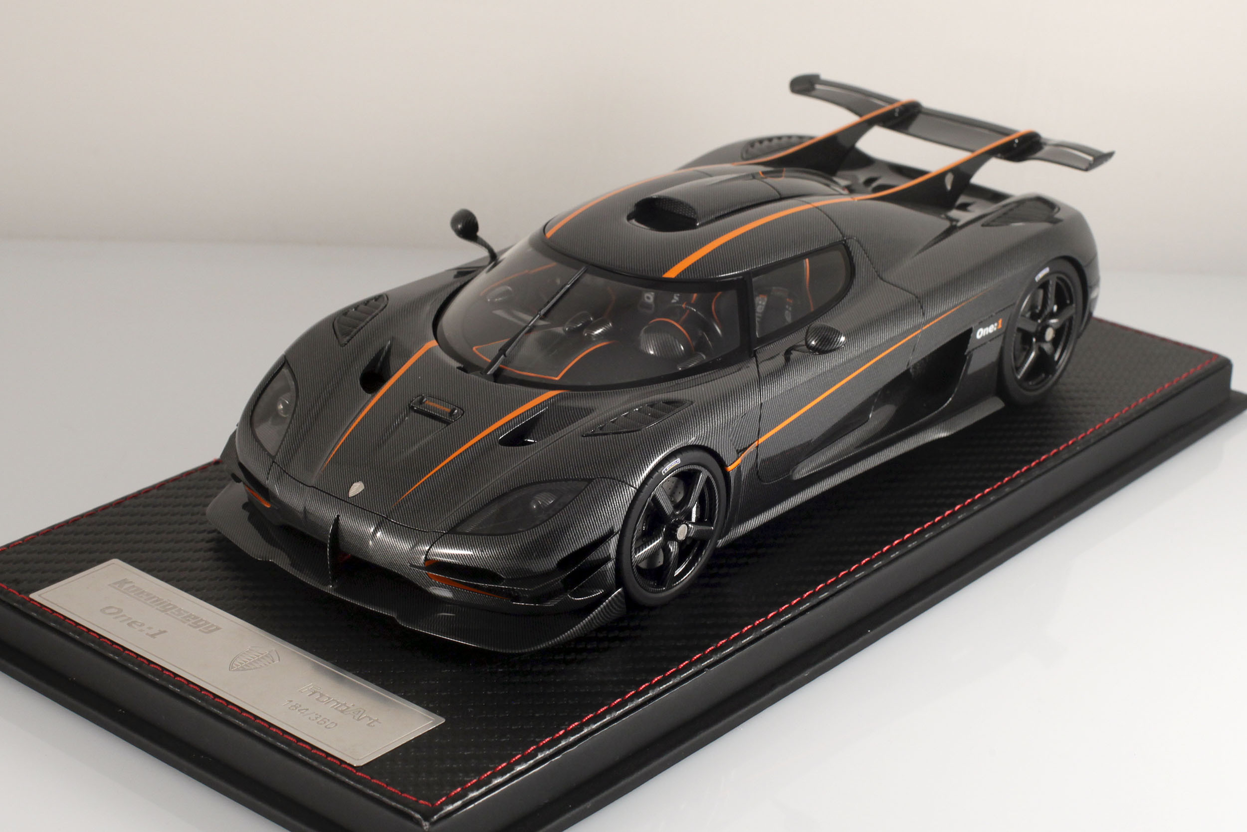 Agera-One1-carbone-2
