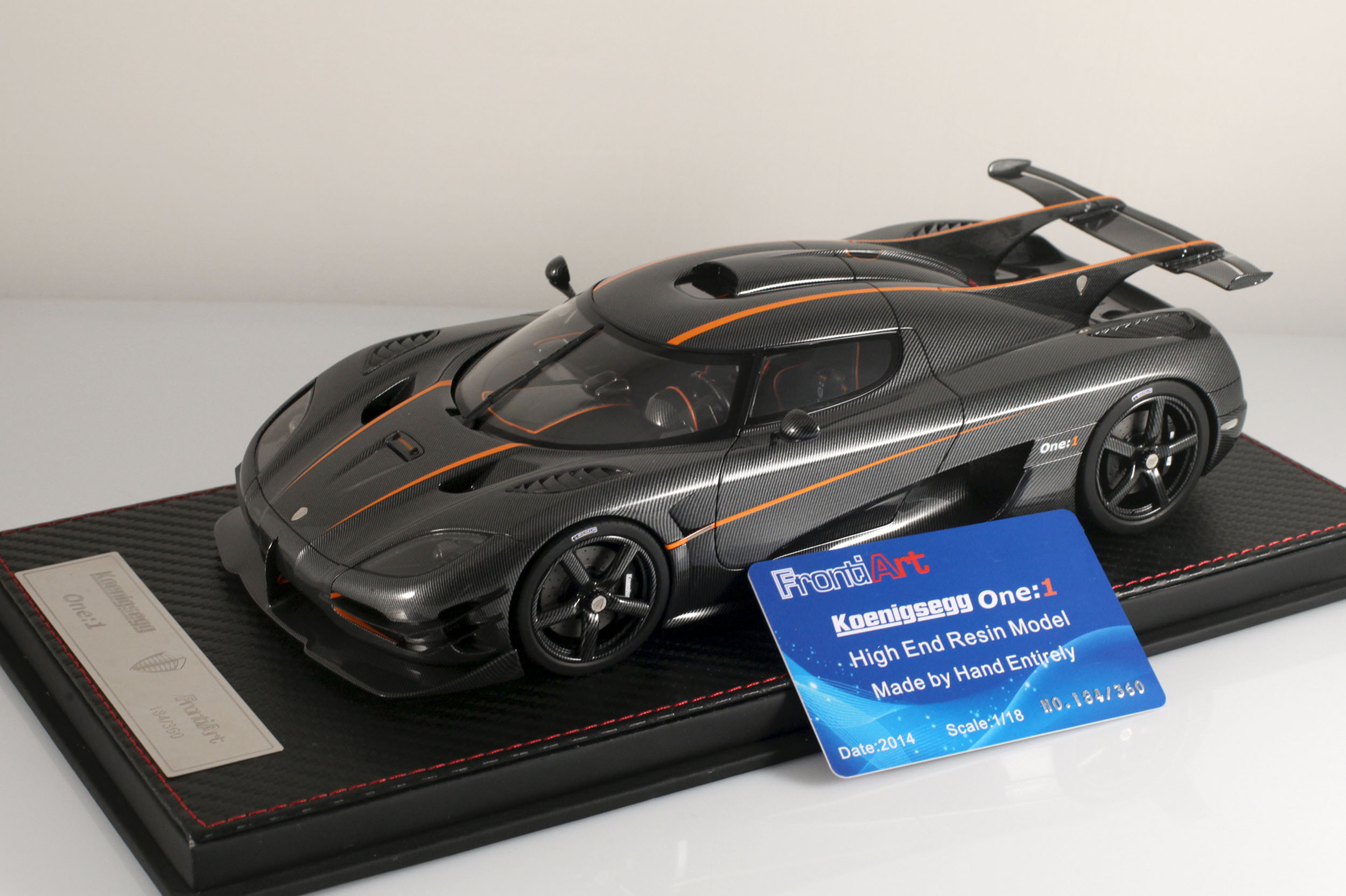 Agera-One1-carbone-1