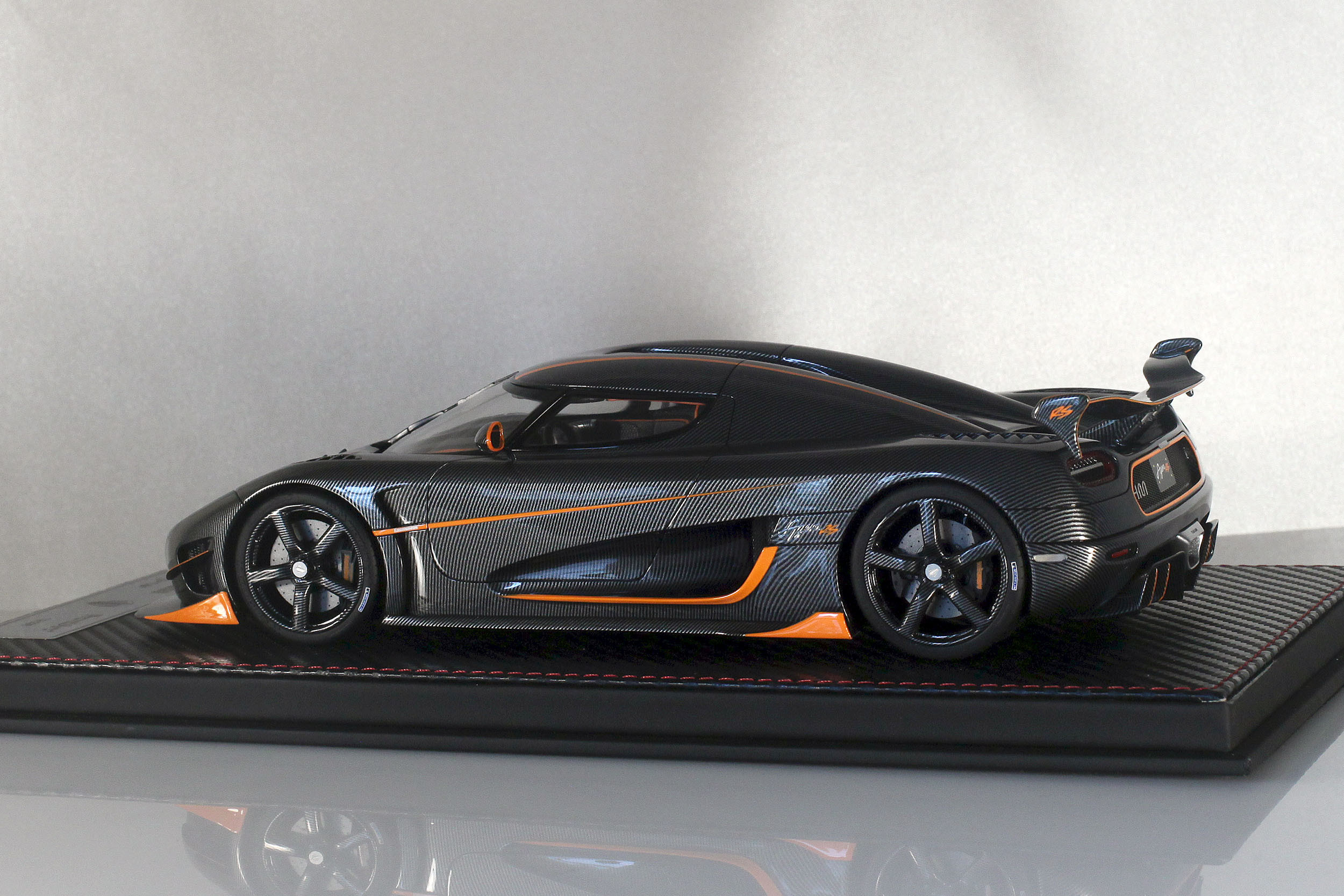 Agera-RS-8