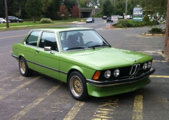 1979_BMW_320_For_Sale_Front_Three_Quarter_View_resize