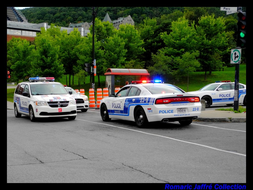 Dodge Charger et Dodge Voyager de la police canadienne