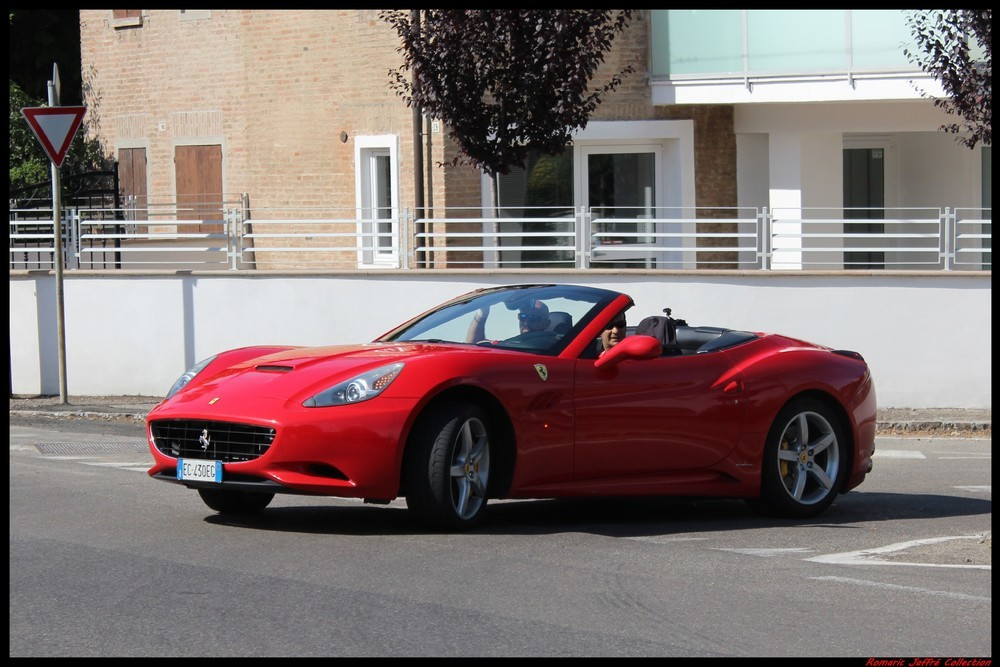 19 Ferrari California (2)