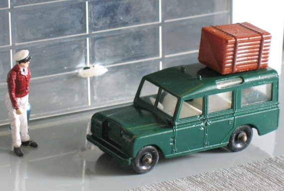Land-Rover-chargee