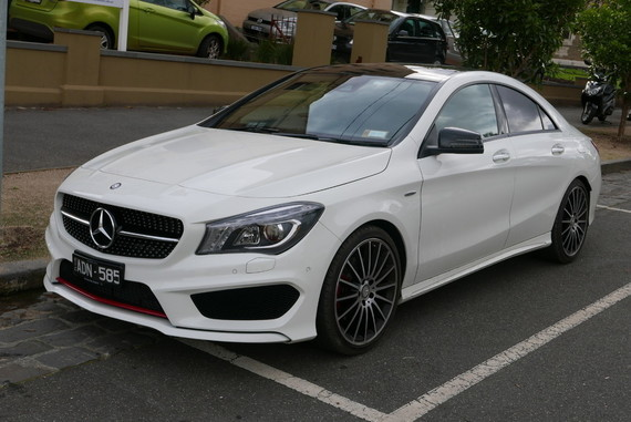 2014_Mercedes-Benz_CLA_250_(C_117)_Sport_4MATIC_sedan_(2015-07-16)_01