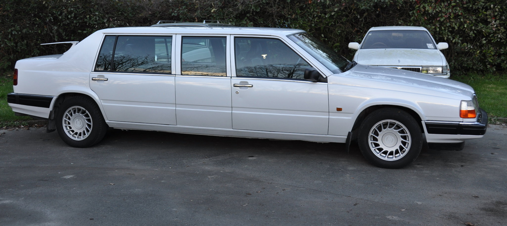 volvo-960-stretched-limousine-09