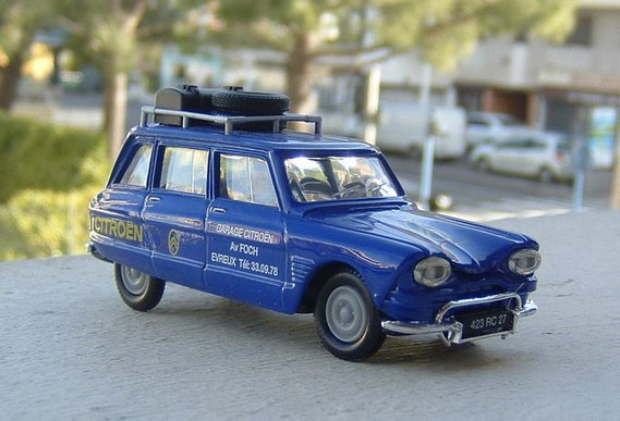Miniatures 1 43 citroen garage citroen big miniatures 1 43 airbus 06 photos club club - Garage miniature citroen ...