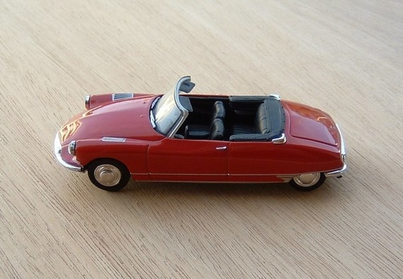 N°1 - DS 19 cabriolet - 1961 - UH f