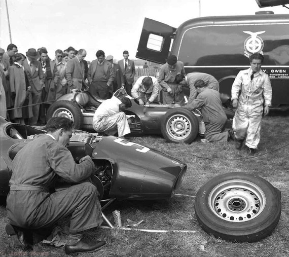 1956 -BRMs looking on Peter Berthon and Rudd