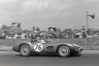 Silverstone - Daily Express 57 - Tony Brooks -Aston Martin DBR1 2