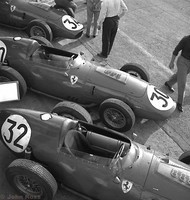 Monza 59 - Ferraris - 32 Phil Hill, 30 Tony Brooks, 34 Cliff Allison