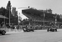 Monza 59 - Start - 14 Moss - Cooper, 30 Brooks - Ferrari burning clutch, 12 Brabham - Cooper