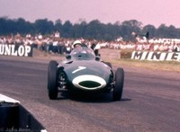 Silverstone 58 -  7 Stirling Moss - Vanwall