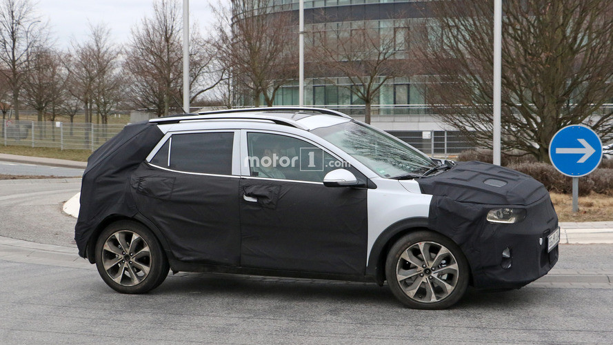kia-stonic-spy-photos